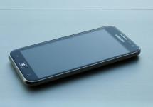 Specs of Nokia Lumia 820, Lumia 920 and Samsung ATIV S Windows Phone 8 Devices