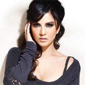 Sunny Leone's Official Facebook Page