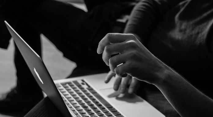 How to Create a Virtual Helper Column in Google Sheets